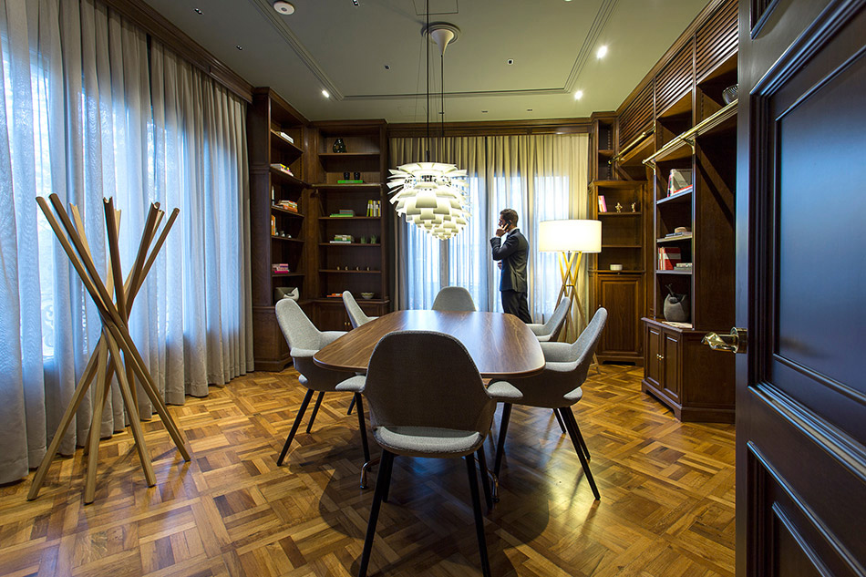 Corporate Interior Design And Office Solutions Manual