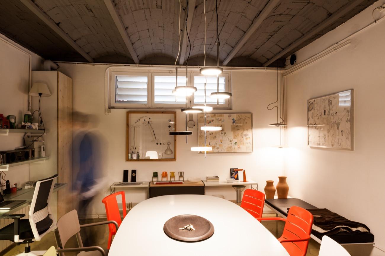 Stefano colli reforma del estudio de dise o industrial for Diseno oficinas industriales